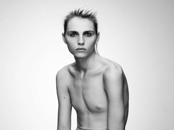 нулевым груди фото девушек с размером