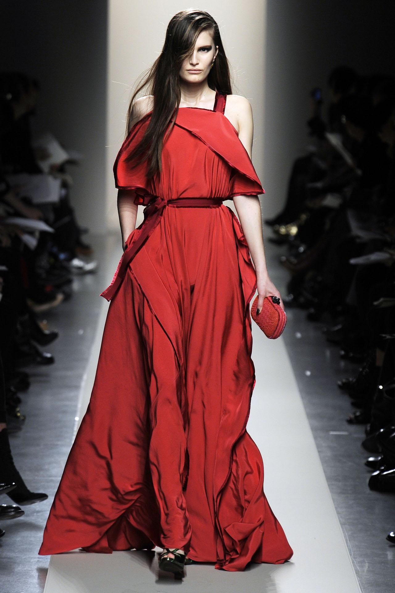 Сняла красное платье 12 фотография