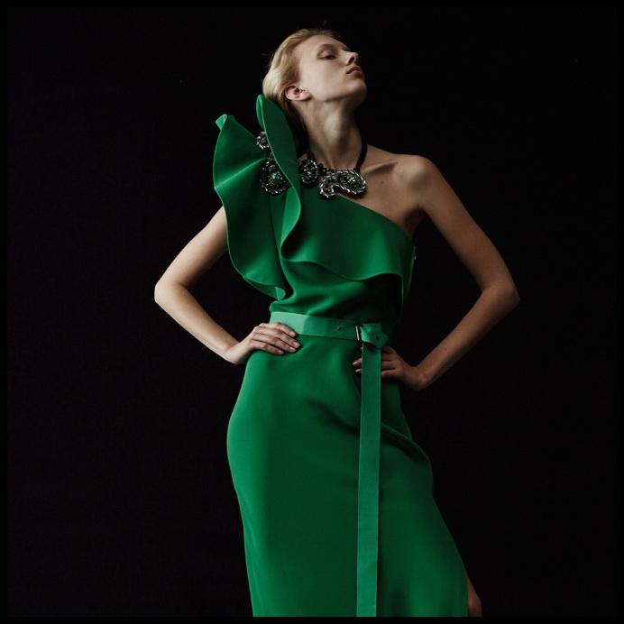 Фото зеленое модное платье