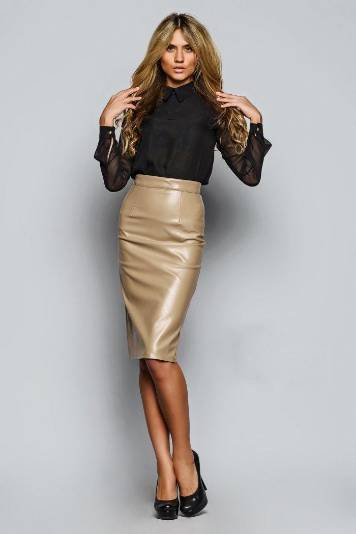 Купить кожаную бежевую юбку