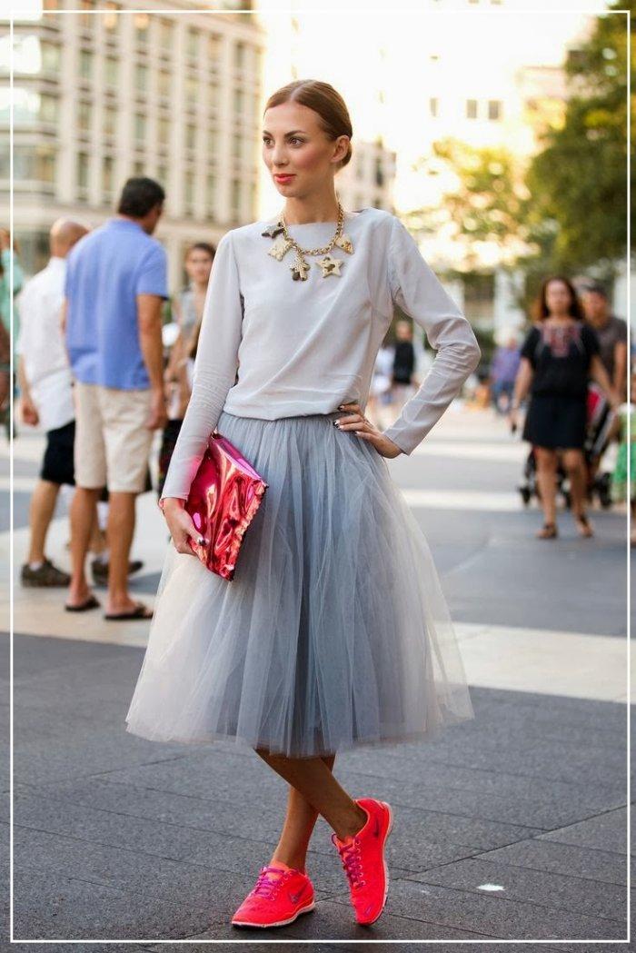 Модные образы с юбкой из фатина
