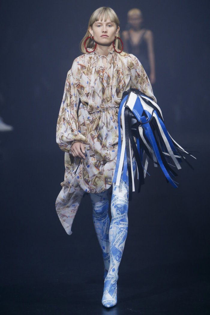 READY-TO-WEAR Balenciaga ВЕСНА-ЛЕТО 2018
