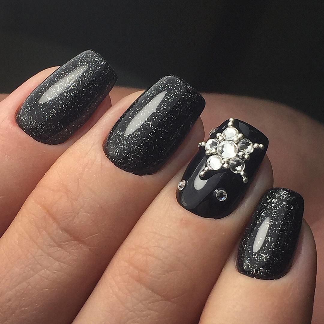 Маникюр гель лак в черном цвете (53 фото)