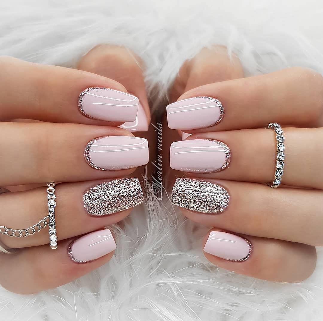 Маникюр розовый с серебром фото