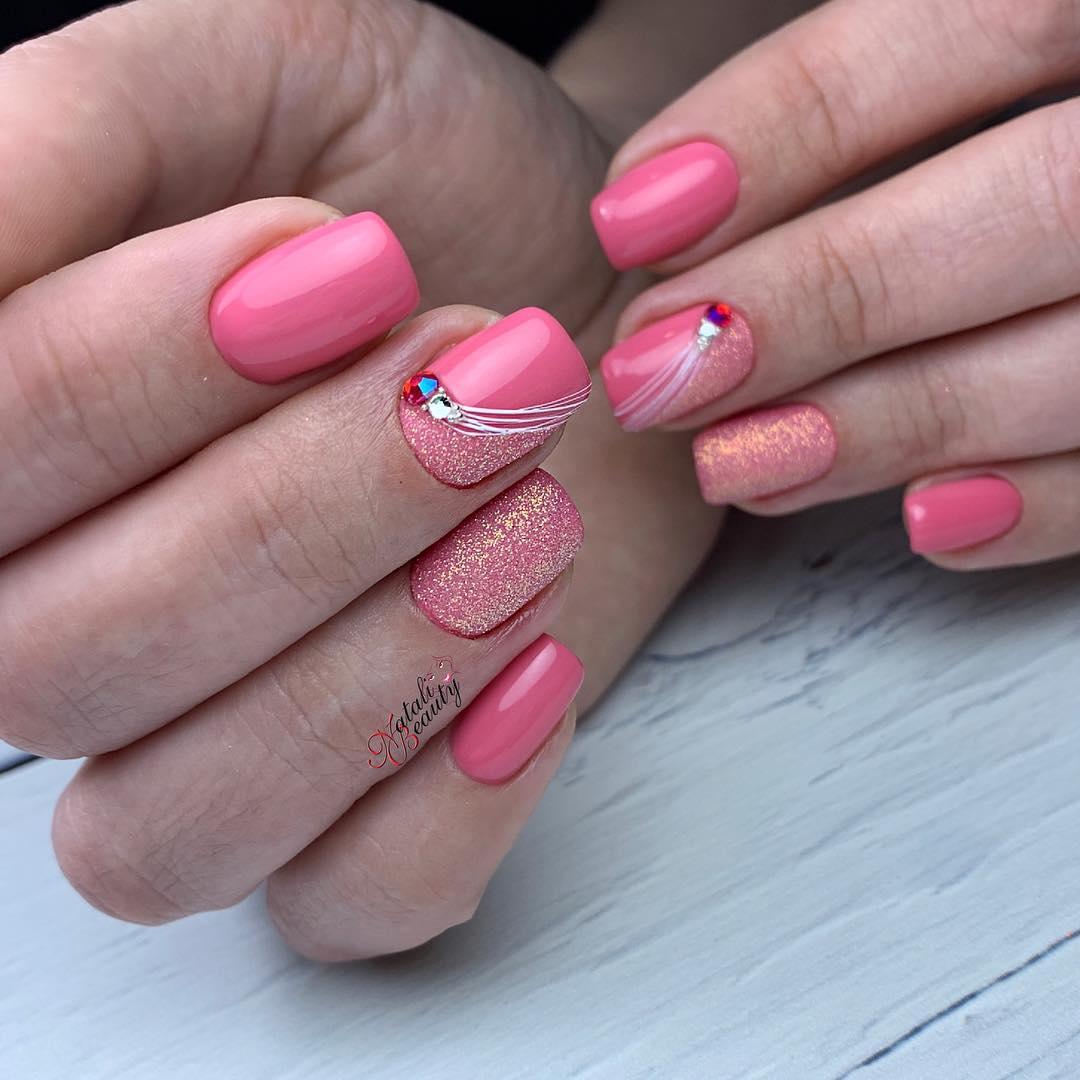 Маникюр дизайн ногтей розового цвета фото