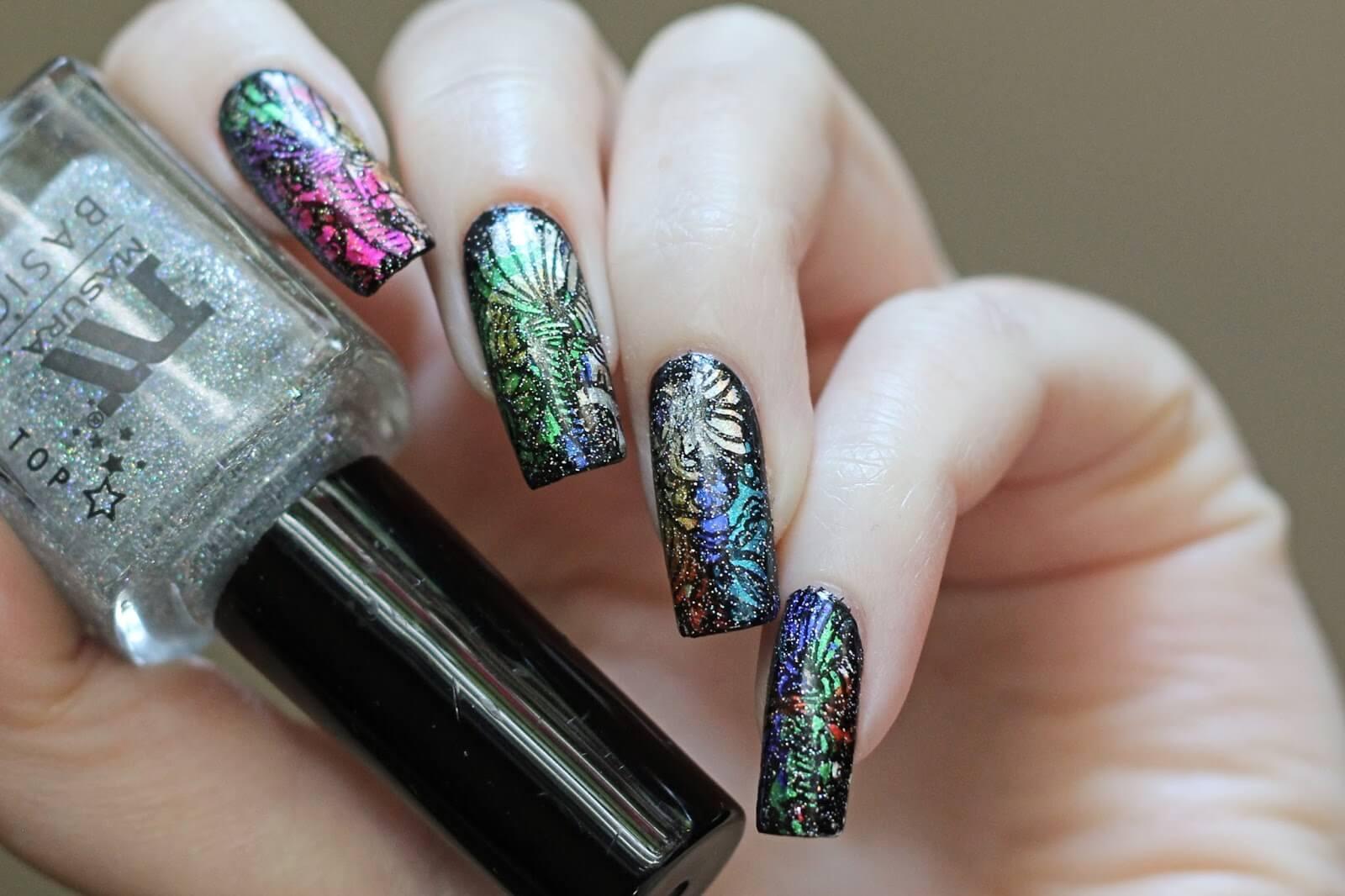 Новогодний маникюр 2021: ногти на Новый год, идеи дизайна, ф