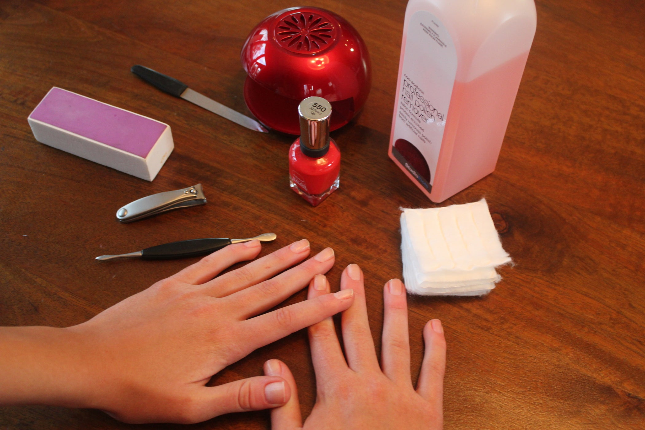 Как красиво накрасить ногти в домашних условиях: уроки с фот