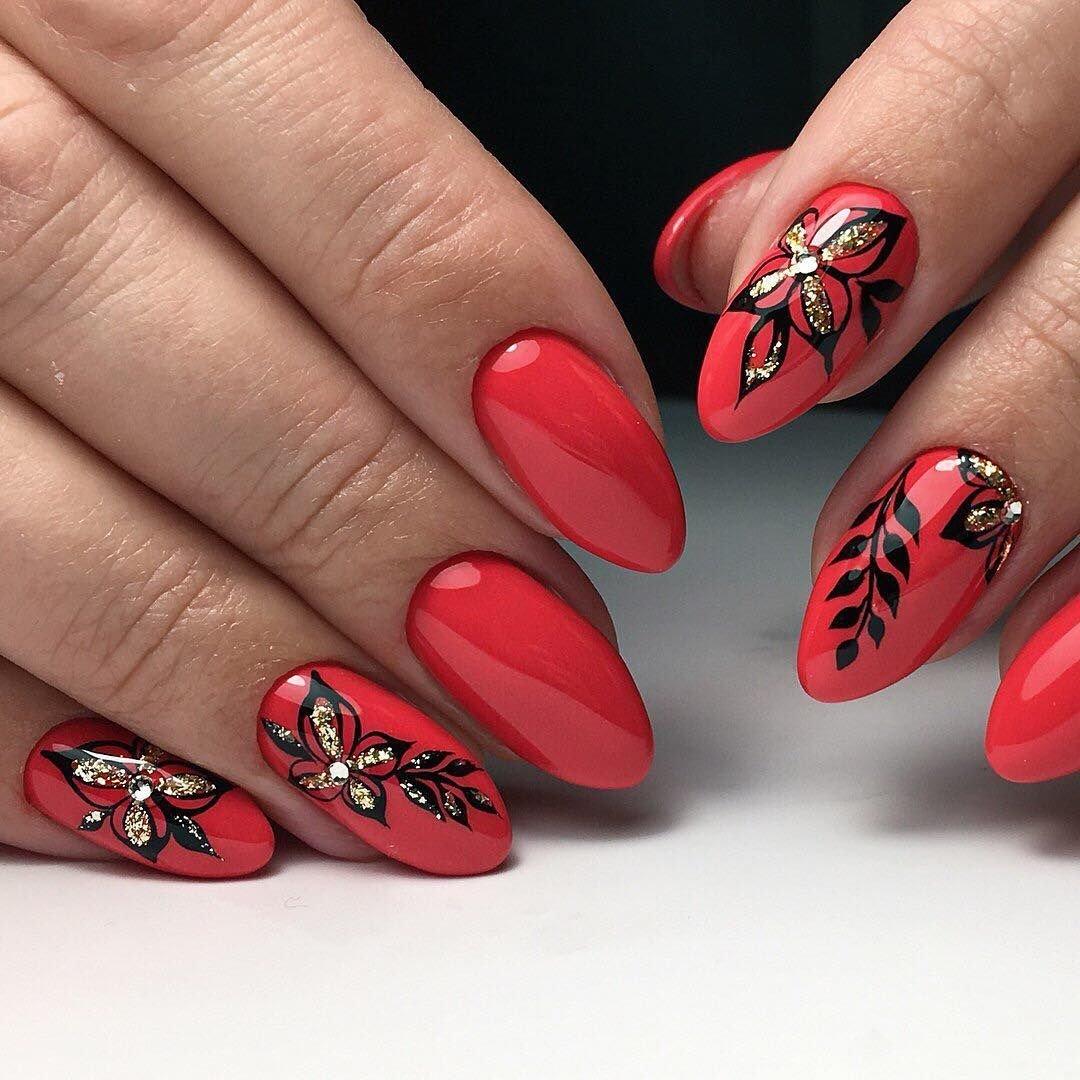 Рисунок на красных ногтях фото
