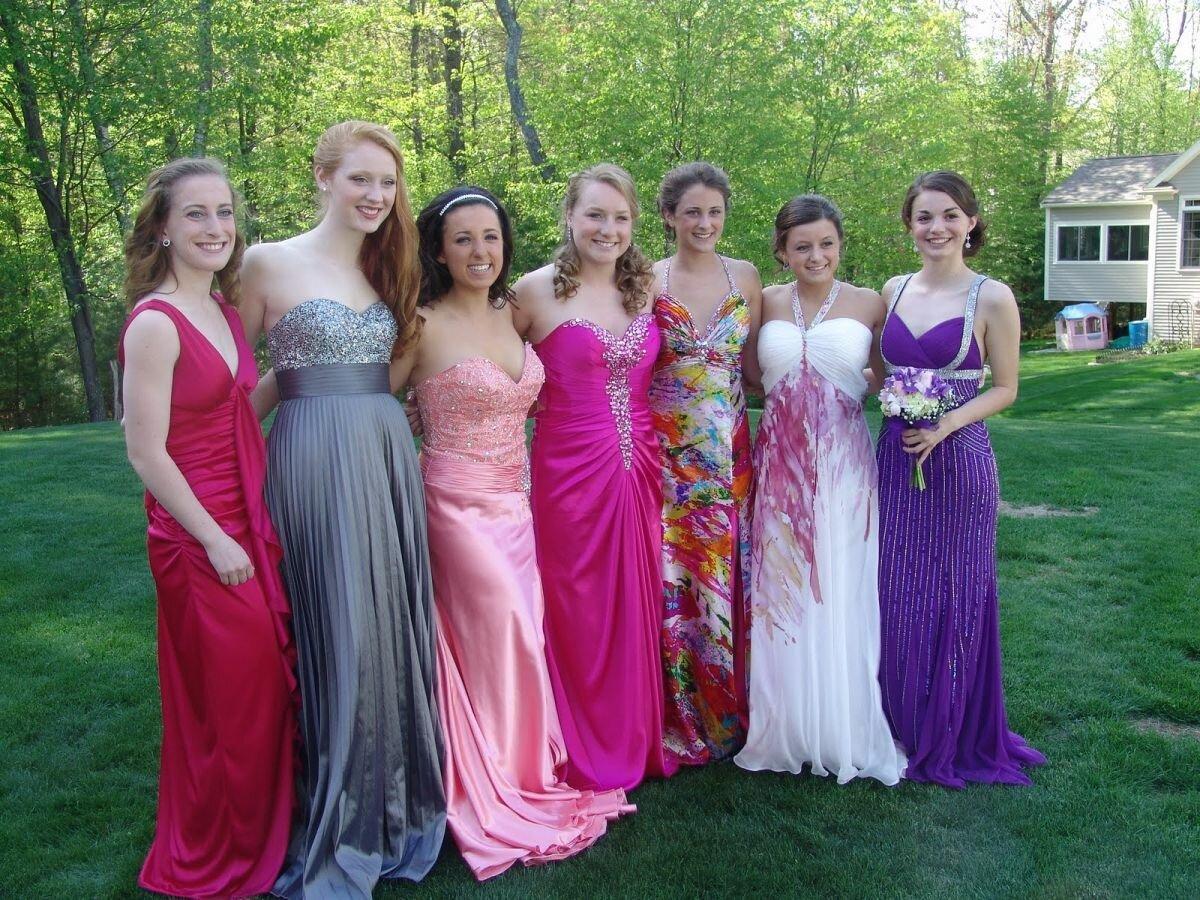 Выпускницы 11 Класса Фото В Платьях