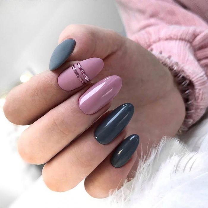 Ногти серые с розовым
