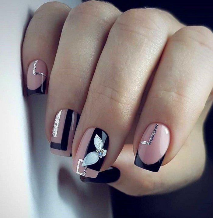 Маникюр на короткие ногти геометрия