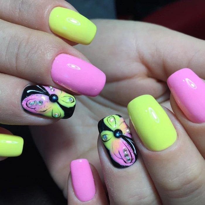 Красивые яркие ногти
