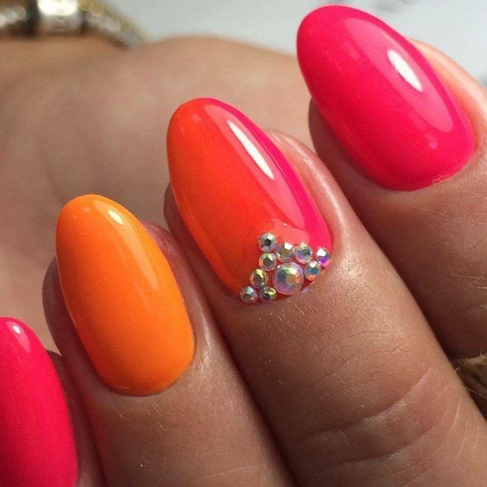 Оранжево розовые ногти