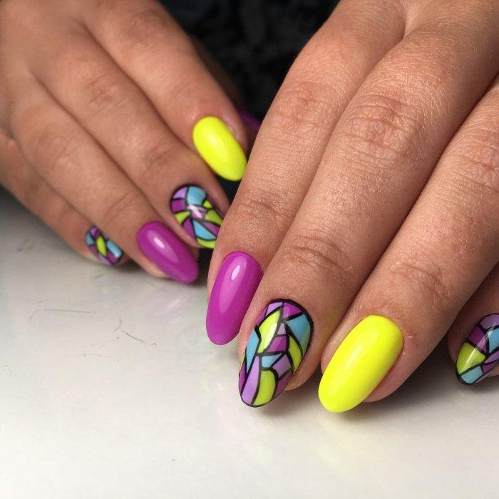 Гелевые ногти разноцветные